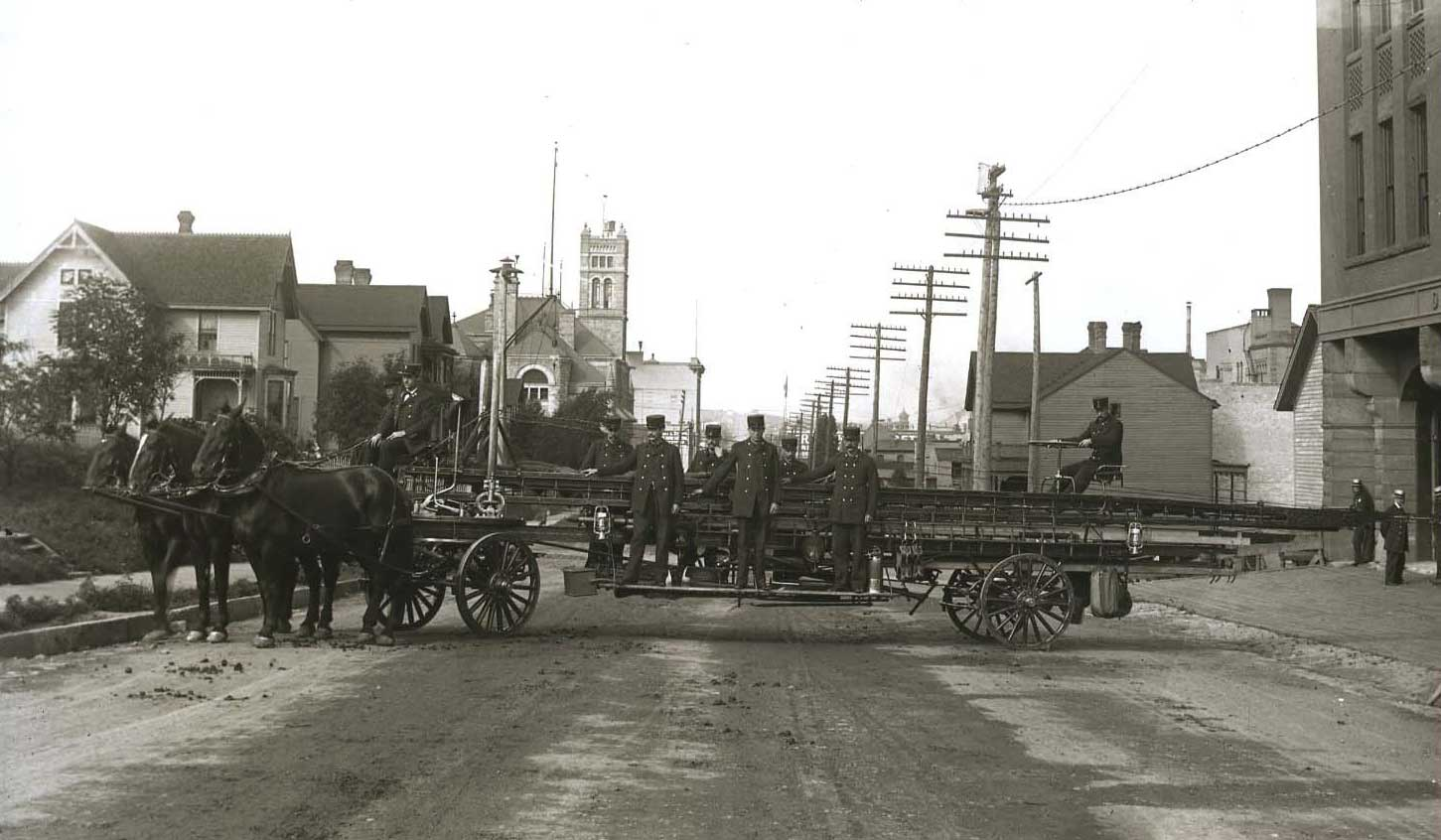 1890-ladder-truck-Detroit-Fire-Department