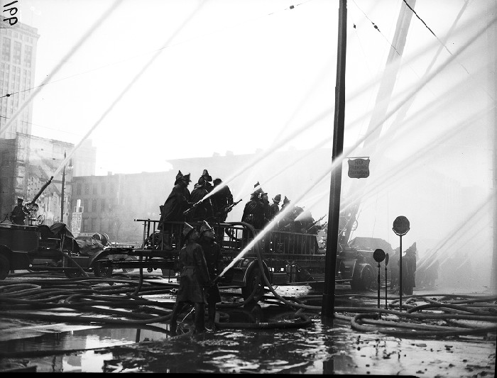 Detroit Fire fights 5-alarm fire at Advanced Glove Company 1937
